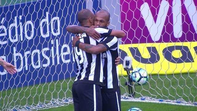 As assistências de Bruno Silva para Roger no Botafogo