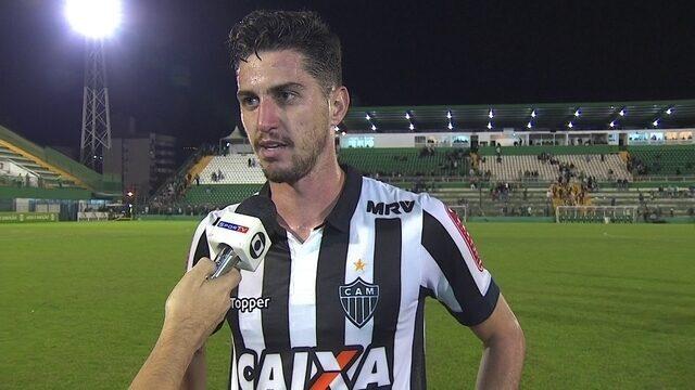 """Matheus Mancini fala sobre estreia contra o time do pai: """"Dessa vez eu pago o jantar"""""""