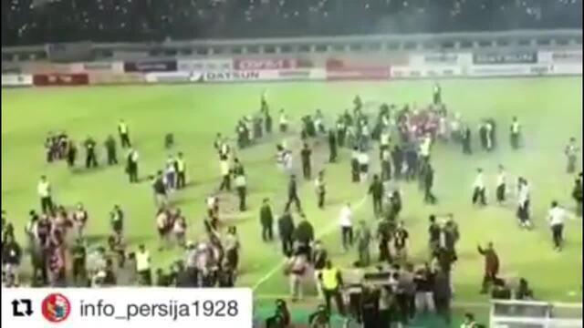 Jogador brasileiro narra tensão no clássico Persija Jakarta e Persib Bandung, na Indonésia