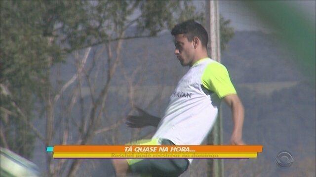 Alan Ruschel participa de jogo treino contra o Ypiranga-RS