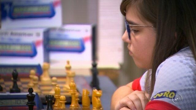 Laiz Cruz vai dusputar o mundial de Xadrez na segunda-feira