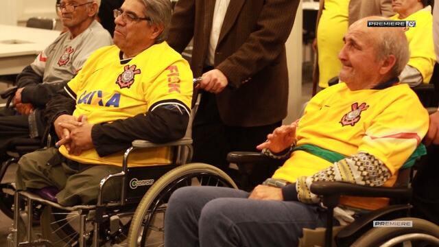 Vai, Corinthians - Grupo de torcedores do Corinthians da melhor idade visitam a Arena