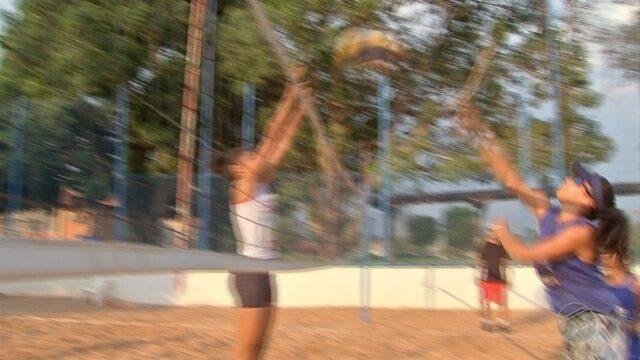 Dupla de vôlei de praia de Cuiabá se dão bem dentro e fora de quadra