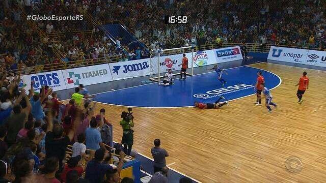 Gaúchos seguem firme na Liga Nacional de Futsal