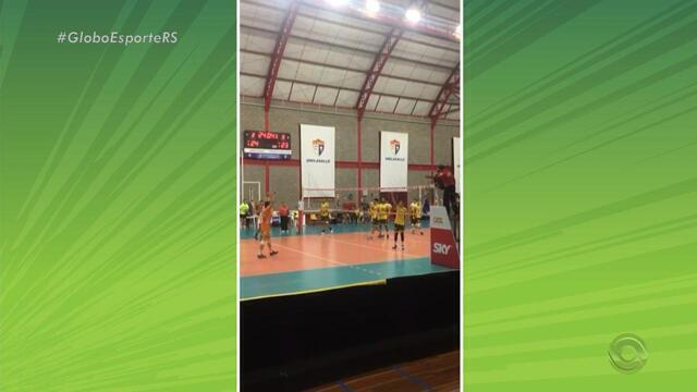 Canoas vence o Montes Claros na estreia da Superliga Masculina de vôlei