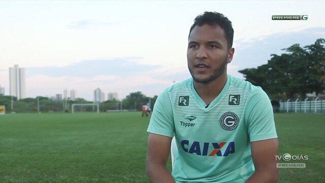 TV Goiás - Alex Alves comemora 100 jogos pelo Goiás