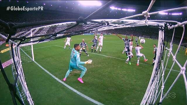 Paraná Clube vê rivais se aproximando após derrota em Fortaleza