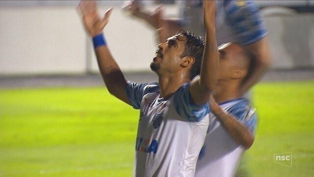 Com gols de Rômulo e Júnior Dutra, Avaí bate a Ponte em Campinas e deixa Z-4