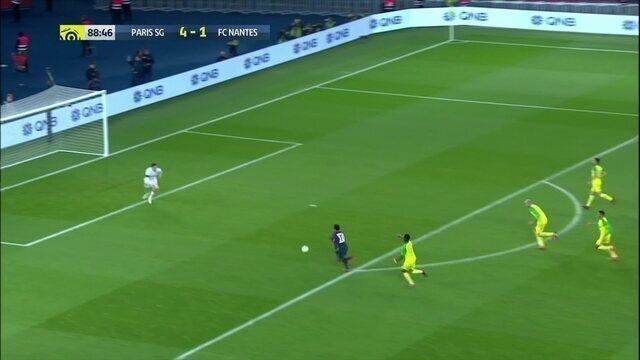 Ah, Neymar! Atacante quase entra com bola e tudo, aos 43' do 2º tempo