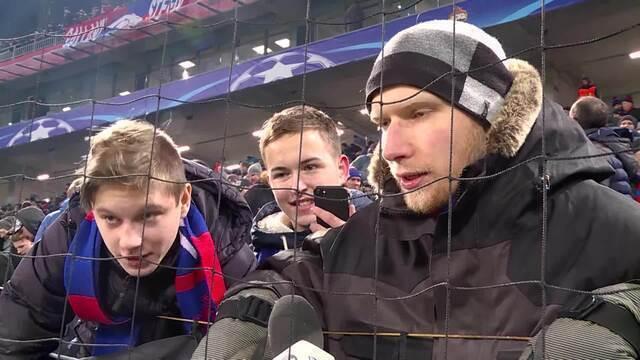 Veja como jogadores e torcedores se comprotam em jogos com baixa temperatura na Rússia