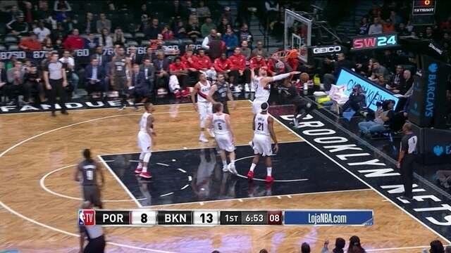 1º quarto - Hollis-Jefferson recebe e vai para a enterrada, 13 a 8 para os Nets