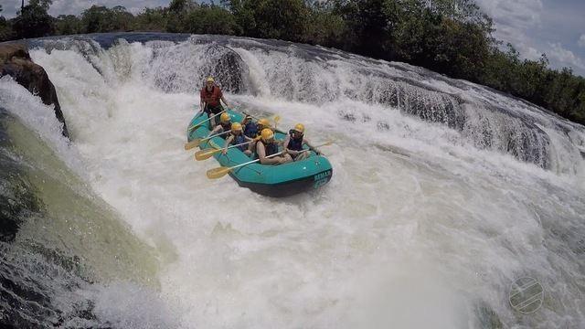 Grupo de motoqueiros curtem adrenalina e a beleza das cachoeiras em Jaciara