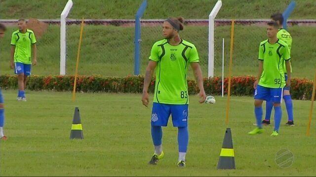 No Sinop, o atacante Tiarinha fala sobre enfrentar seu ex-time na estreia do Estadual