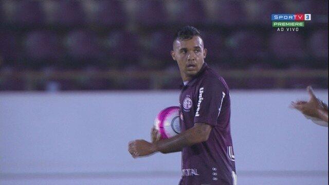 GOL DA FERROVIÁRIA! Léo Castro bate na saída do goleiro Vagner