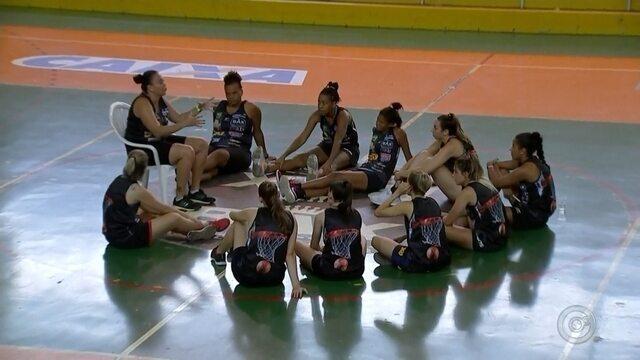 A equipe feminina de basquete Catanduva corre o risco de não jogar mais em casa
