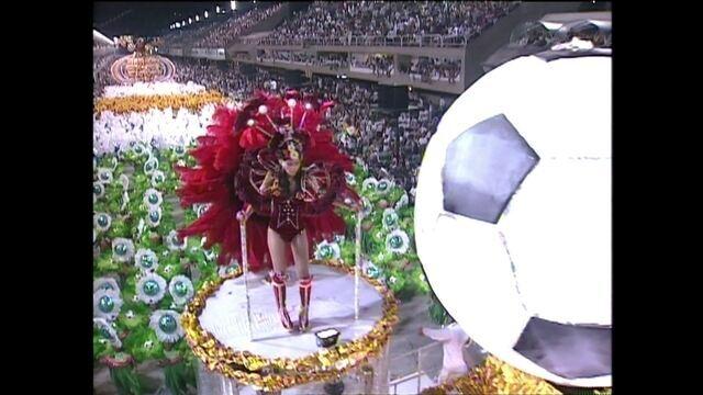"""Futebol x Carnaval: a """"maldição"""" que atrapalha os enredos futebolísticos"""