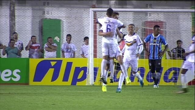 Os gols de Veranópolis 2 x 1 Grêmio pela 8ª rodada do Campeonato Gaúcho