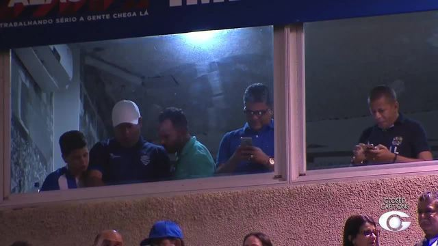Novo técnico do CSA, Marcelo Cabo foi ao Rei Pelé conferir a vitória do Azulão