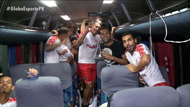 Rio Branco cala a Arena e faz história