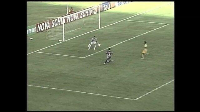 Gols do Osvaldo: atacante marca na vitória sobre o Brasiliense