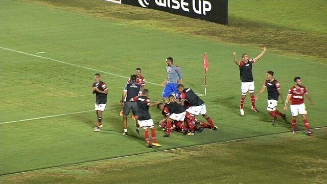 Os gols e as cobranças de pênalti do duelo entre Vila Nova e Joinville