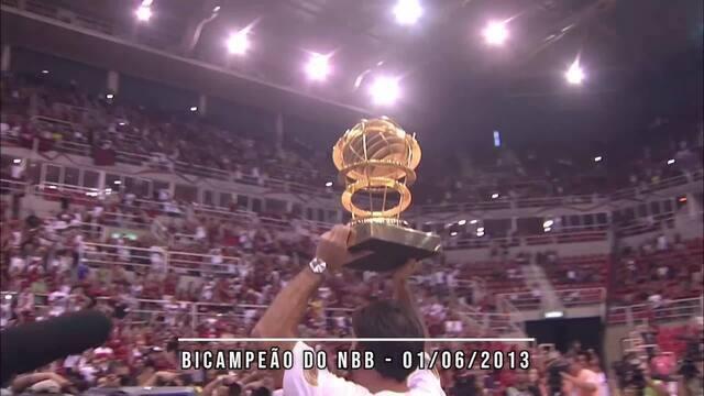 Marcelinho Machado recebe homenagem e relembra carreira no Jogo das Estrelas do NBB
