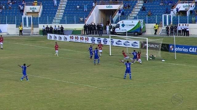 Opção no ataque proletário, Léo Ceará tem rendimento parecido ao do titular Frontini