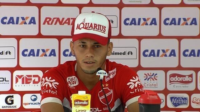 Reis admite que pressão no Vila é grande após eliminação na Copa do Brasil