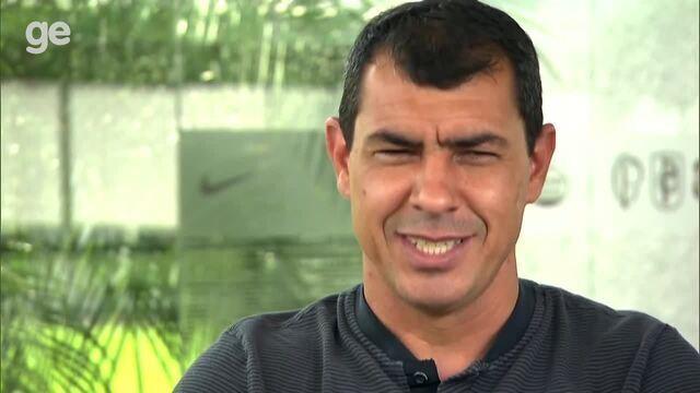 """Fábio Carille completa 100 jogos e mostra suas """"figurinhas"""" no Corinthians"""