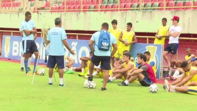 Atlético-AC faz último treino no AC antes de seguir para Recife, onde encara o Santa Cruz