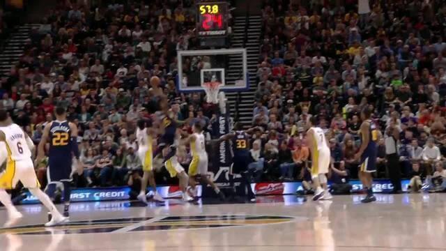 Donovan Mitchell (Utah Jazz) surge do nada para cravada sensacional