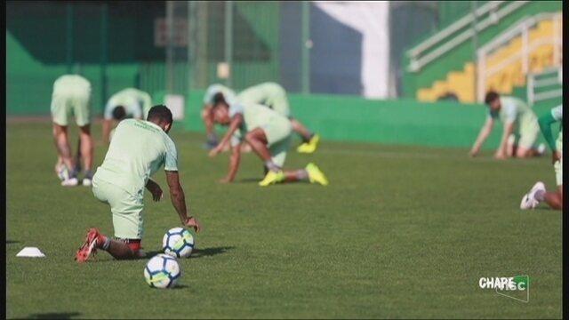 Com dúvidas na escalação, Chape retoma caminhada na Série A diante do Bahia