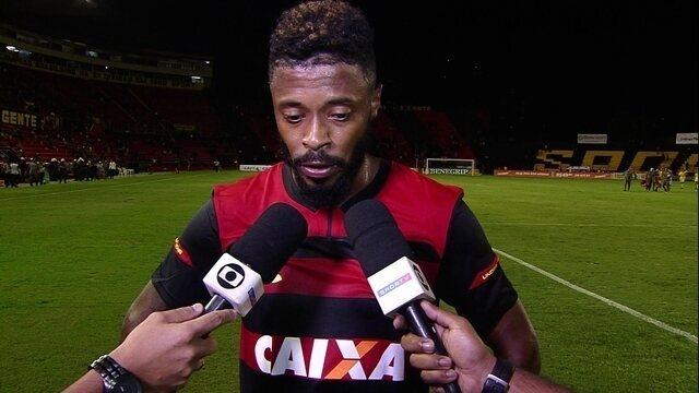 """Michel Bastos fala sobre derrota para o Fluminense: """"A gente sai frustrado"""""""