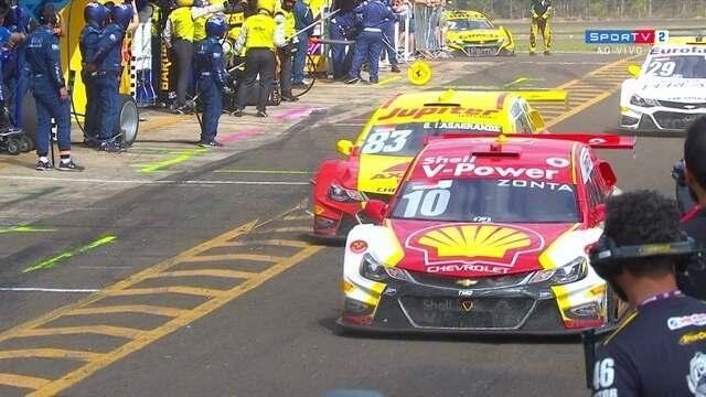 Com muita polêmica, Ricardo Zonta vence a prova 2 na etapa da Stock Car em Campo Grande