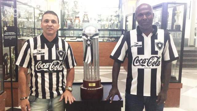 Campeões da Conmebol em 93 mandam mensagens de apoio para o Botafogo pela Sul-Americana