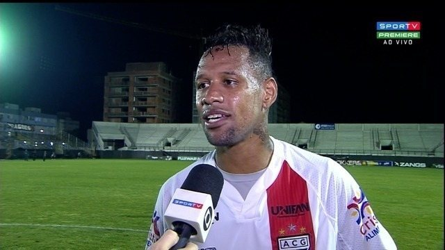 André Luis comemora vitória que encerra jejum e vê Dragão vivo na briga