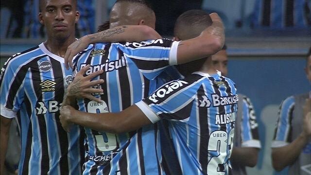 Os gols de Grêmio 2 x 0 Chapecoense pela 35ª rodada do Brasileirão 2018