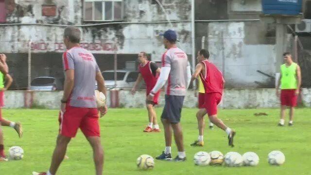 Técnico do Rio Branco-AC aprova cancelamento de rodada e mira confronto de invictos