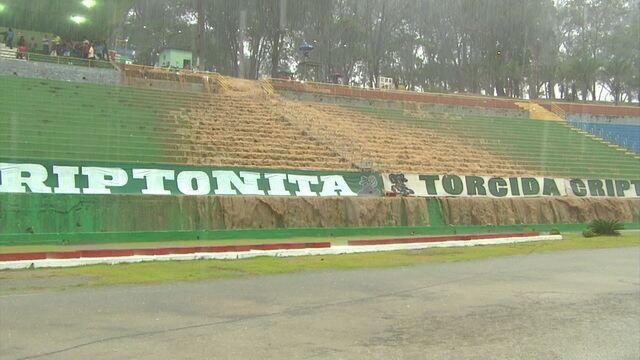 Por conta de fortes chuvas, partida entre Vitória da Conquista x Bahia quase foi interrompida