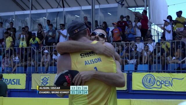 Pontos finais de Alison/Oscar 2x1 Evandro/Ricardo Schmidt pela final do Circuito Brasileiro de vôlei de praia