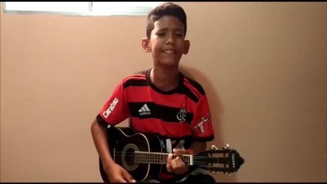 """Torcedor do Flamengo, garoto do RN viraliza com versão de """"Em dezembro de 81"""""""
