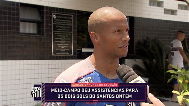 Carlos Sánchez fala sobre boa fase com a camisa do Santos e garante que time segue animado pensando no título