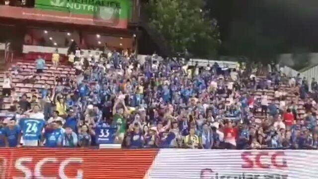 Torcida do Chonburi canta parabéns para zagueiro rondoniense Júnior Lopes
