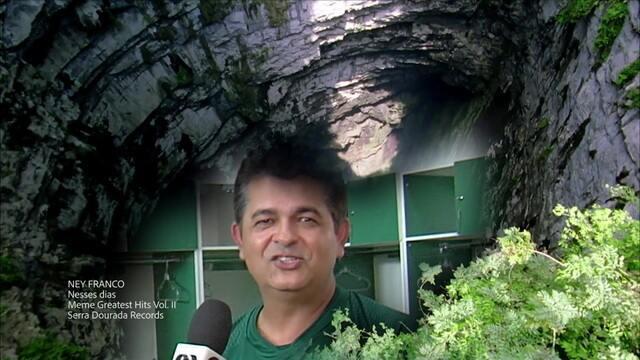 Re-meme Ney Franco: relembra a carreira musical do treinador, que emplacou hit em 2009 depois de tocar no Bem, Amigos!