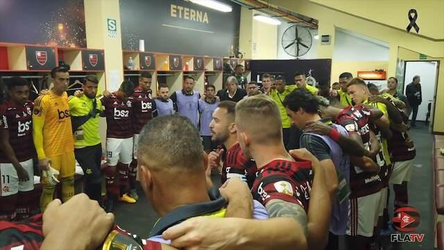 """Antes de decisão, Éverton Ribeiro conversa com jogadores: """"Chegar aqui não foi fácil"""""""