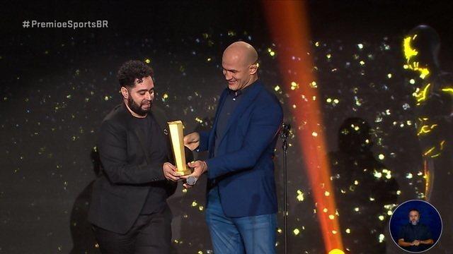 Zenith ganha o troféu de melhor atleta de fighting games do Prêmio E-Sports Brasil 2019