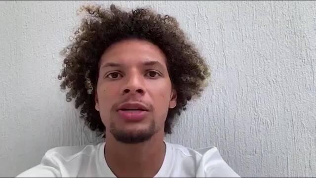 Jogadores do Flamengo fazem campanha para as pessoas ficarem em casa