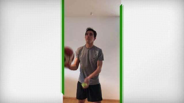 Hugo Calderano faz malabarismo com bola de tênis de mesa, de tênis e de basquete