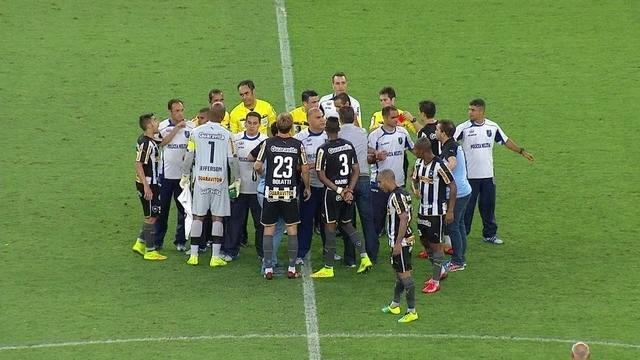 http://globotv.globo.com/globocom/brasileirao/v/botafogo-tem-tres-jogadores-expulsos-contra-o-bahia-no-brasileirao/3637001/