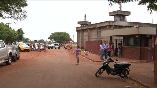 Polícia retoma negociações e tenta por fim à rebelião em Maringá